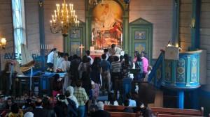 Om lag 150 katolikkar kom til Ulstein kyrkje